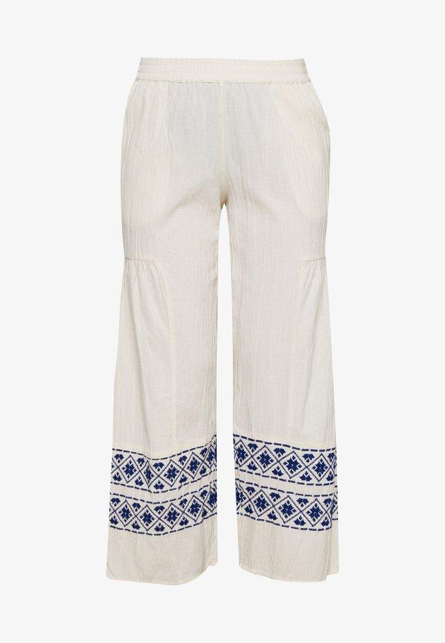 YASMATHILDE PANTS - Trousers - eggnog/surf the web
