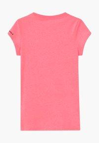 Converse - MARBLE CHUCK PATCHBOX TEE - T-shirt imprimé - pink - 1