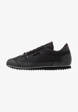MONTANYA - Sneakers - black