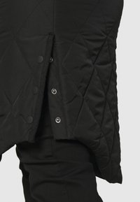 ONLY Carmakoma - CARCARROT NEW LONG QUILTED JACKET - Classic coat - black - 5