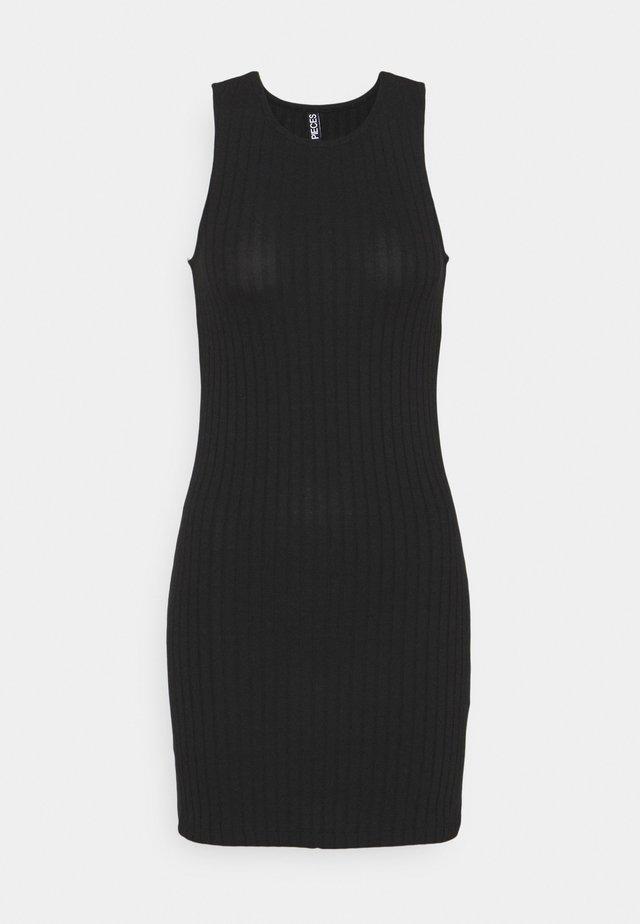 PCTIANA DRESS - Sukienka dzianinowa - black