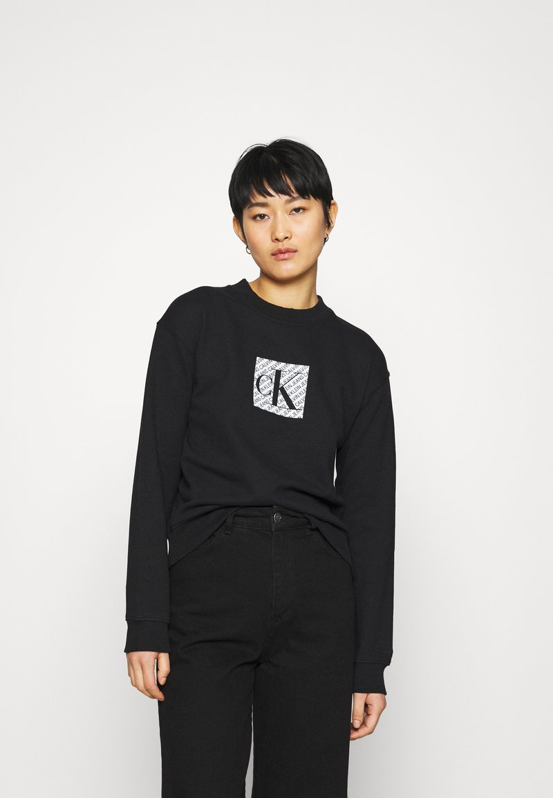 Calvin Klein Jeans - HOLOGRAM LOGO CREW NECK - Sweatshirt - black