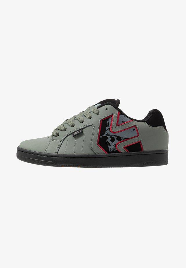METAL MULISHA FADER 2 - Chaussures de skate - grey/black/red