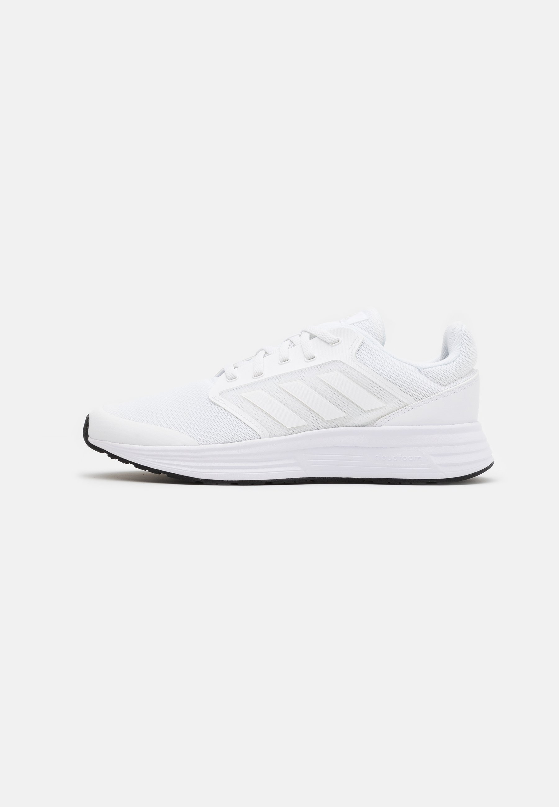 adidas Performance GALAXY CLASSIC CLOUDFOAM SPORTS RUNNING SHOES - Nøytrale løpesko - footwear white/core black