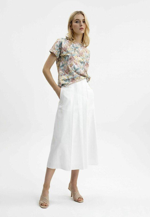FALTENROCK - A-line skirt - weiß