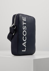 Lacoste - VERTICAL CAMERA BAG - Across body bag - dark sapphire - 3