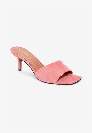 SIGNATURE - Sandals - pink