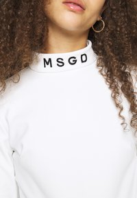 Missguided Petite - SKI BODY SUIT - Camiseta de manga larga - white - 5