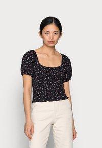 ONLY Petite - ONLFENJA LIFE TOP  - T-shirt print - black/pink - 0