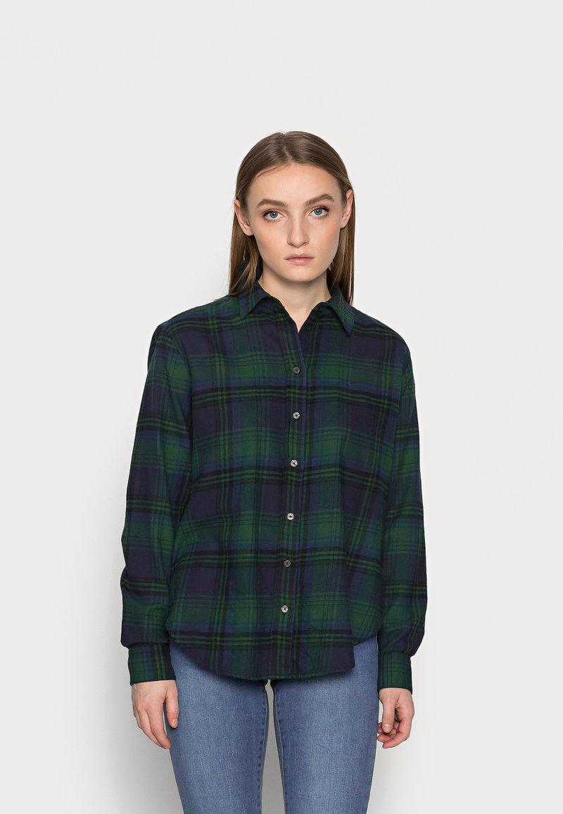 GAP Petite - EVERYDAY - Button-down blouse - blackwatch plaid