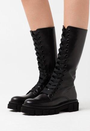 ROOM - Kotníkové boty na platformě - schwarz