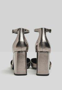 Bershka - Escarpins à talons hauts - silver - 3