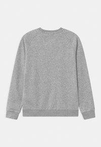 adidas Originals - TRI COLOUR CREW - Sweatshirt - medium grey heather - 1