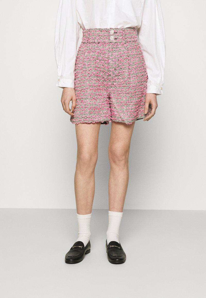 Custommade - ALIBA - Shorts - black/pink