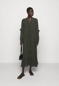 Bruuns Bazaar - MILLEH IDOH DRESS - Shirt dress - green night - 1