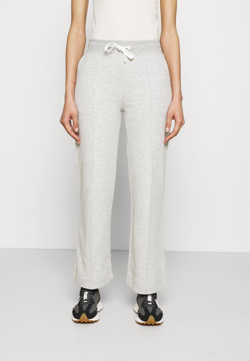 GANT - NAUTICAL PANTS - Tracksuit bottoms - light grey melange