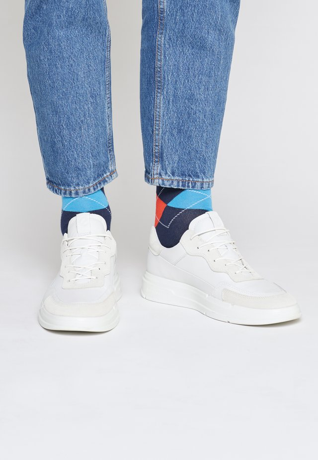 SOFT X M - Sneakers - shadow white/white