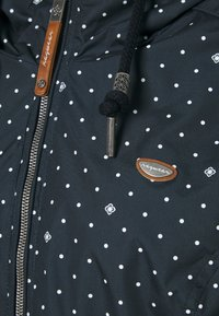 Ragwear Plus - DANKA DOTS - Krátký kabát - navy - 2