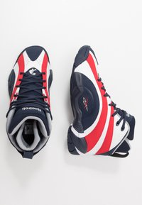 Reebok Classic - SHAQNOSIS - Sneakersy wysokie - vector navy/white/vector red - 1
