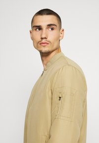 Only & Sons - ONSJACK - Bomber Jacket - tree house - 3