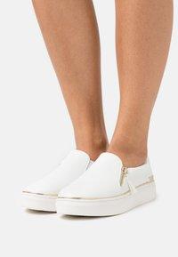 Call it Spring - ARIANA - Sneakersy niskie - white - 0