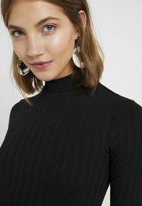 Miss Selfridge - HIGH NECK CLEAN BODY - Långärmad tröja - black - 4