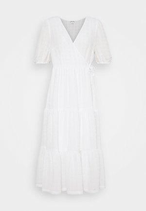 Denní šaty - white light