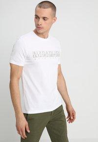 Napapijri - 3 PACK - T-shirts print - black/white/navy - 4