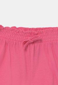 GAP - TODDLER GIRL SMOCKED - Short - neon pink rose - 2