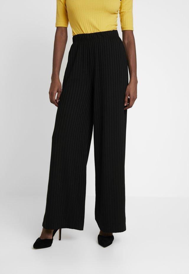 ONLGINA PANT - Spodnie materiałowe - black
