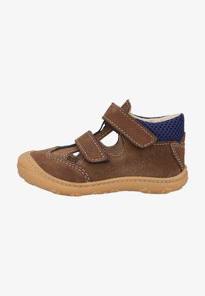 Touch-strap shoes - hazel