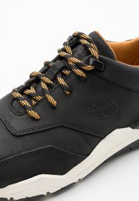 Timberland - CONCRETE TRAIL OXFORD - Sneakersy niskie - black - 5