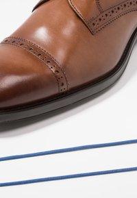Azzaro - SAGNIER - Smart lace-ups - cognac - 5
