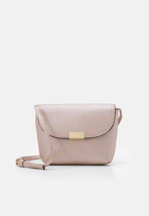 CAPRIS CROSS BODY BAG - Across body bag - rose gold