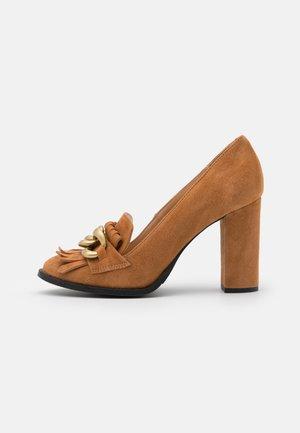 SLFMEL - Lodičky na vysokém podpatku - sudan brown