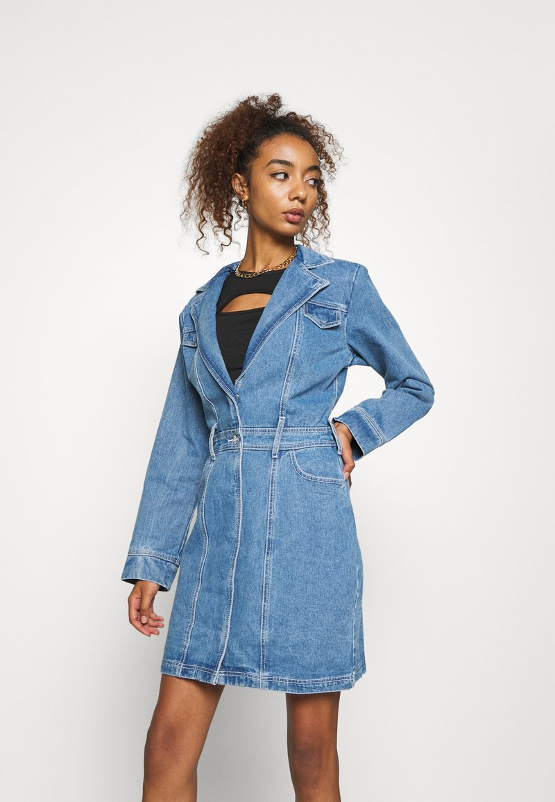 Missguided - BLAZER FIT DRESS  - Halflange jas - mid blue