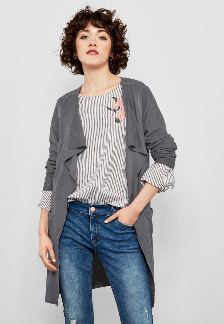 Damen IN VELOURSLEDER-OPTIK - Leichte Jacke