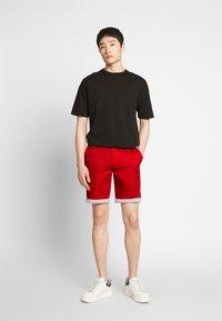 Bugatti - Shorts - red - 1