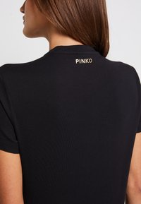 Pinko - EDGARDO - Print T-shirt - nero - 5