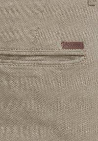 Jack & Jones - KENSO - Shorts - crockery - 6