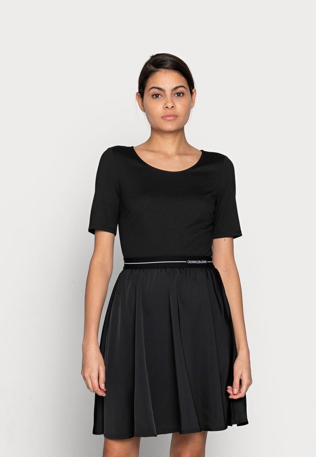 LOGO ELASTIC DRESS - Korte jurk - black