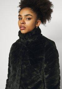 VILA PETITE - VIALIBA JACKET - Winter jacket - black - 4