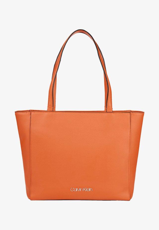 MUST - Handbag - roasted pumpkin