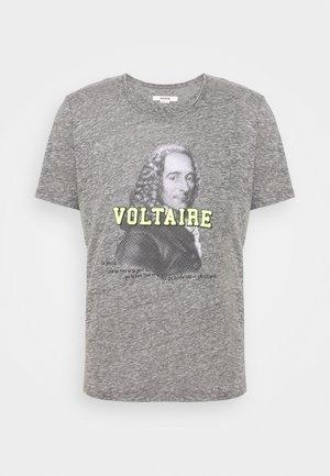 TOBY  VOLT - Print T-shirt - gris chine