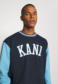 Karl Kani - COLLEGE BLOCK CREW - Sweatshirt - navy - 5