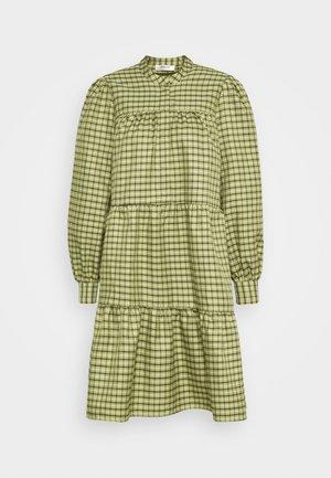 CAMILLE DRESS - Košilové šaty - sage green