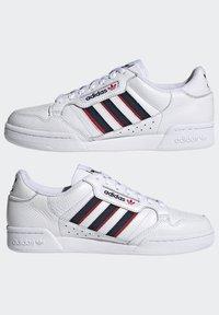 adidas Originals - CONTINENTAL 80 STRIPES UNISEX - Tenisky - footwear white/collegiate navy/vivid red - 7