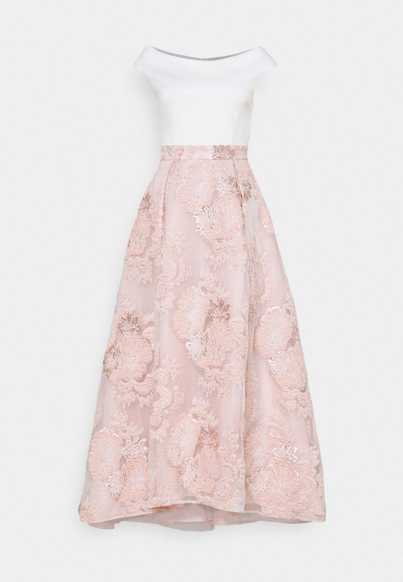 Swing - VOKUHILA - Společenské šaty - peach blush
