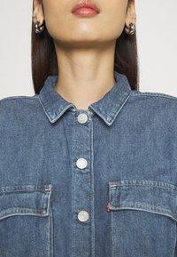 Levi's® - BRAELYN UTILITY DRESS - Spijkerjurk - blue denim - 4