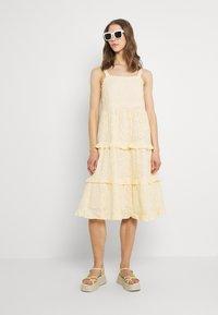 YAS - YASGEMMA STRAP MIDI DRESS  - Day dress - eggnog/marigold - 1